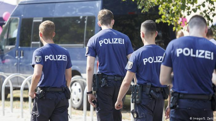 "German Police Desperate To Fill Its Migrant Hiring Quotas And Other Benefits Of ""Multi-Kulti"""